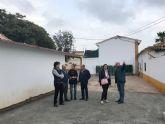 Visita a las actuaciones de renovación de la plaza de La Ermita y su entorno, en Puerto Lumbreras