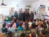 Mayores del municipio comparten historias y tradiciones de Navidad con niños y jóvenes
