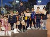 La escuela del Club Tenis Totana en el primer pequetenis de la temporada