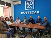 MC y Hostecar trabajan para buscar soluciones a los problemas del turismo y la hostelería en el municipio