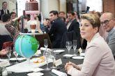 Arroyo participa en la jornada de acogida a empresas colaboradoras y proveedores de la escuela de Hostelería y Turismo de Cartagena