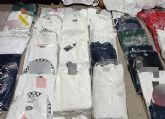La Guardia Civil se incauta de más de un centenar de prendas de vestir falsificadas en el mercadillo semanal de Las Torres de Cotillas