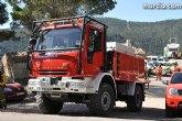 La Comunidad refuerza los medios a�reos para luchar contra incendios forestales este verano