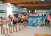 400 niños participan en el programa de natación escolar en Puerto Lumbreras