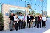 El alcalde de Alcantarilla, Joaquín Buendía, visita la sede regional en Murcia de la Asociación Española Contra el Cáncer