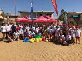 La campaña 'pl�sticos 0%' recoge 25 kilos de este material en las playas de Mazarr�n