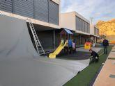 La Consejería de Educación instala nuevas zonas de sombra en el colegio público Sagrado Corazón