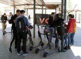La UCAM, pionera en ofrecer un sistema de movilidad sostenible a través de los patinetes eléctricos VOI