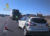 La Guardia Civil investiga al conductor de un vehículo articulado que circulaba en sentido contrario por la autovía A7 quintuplicando la tasa de alcohol