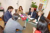 La Consejería de Empleo y el Gobierno municipal se reúnen para buscar alternativas al ERE de Sabic
