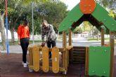 El Ayuntamiento invertirá 250.000 euros en renovar los juegos de doce jardines