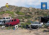 Denuncian la gestión irregular de residuos en un taller mecánico en Abarán