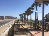 La construcción de una acera desde playa Mistral al pabellón deportivo, en La Manga  mejora la seguridad de los peatones