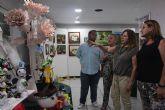 Se inaugura la exposición de manualidades de la Asociación de Amas de Casa