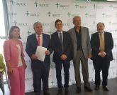 Villegas asiste a la toma de posesión del nuevo presidente de la asociación española contra el cáncer de Murcia
