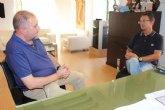 El alcalde se reúne con el presidente de la Asociación de Enfermedades Raras D´Genes