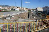 Contin�an a buen ritmo las obras de colocaci�n y revestimiento de aceras en un tramo de m�s de 100 metros de la avenida Juan Carlos I