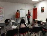 El programa APOYO ESCOLAR, que se desarrolla en Cruz Roja, ya se está ayudando a 17 alumnos