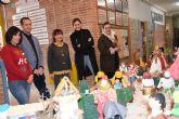 Alcaldesa de Archena visita el belén artesanal del Alcolea Lacal y felicita la Navidad a los mayores de la Residencia Azahar
