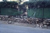 El presidente de la Junta de Santo Ángel muestra su malestar al no encontrar respuesta ni solución a los desprendimientos de rocas