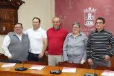 El Ayuntamiento renueva el convenio con las cinco pedan�as para organizar sus fiestas