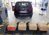 La Guardia Civil intercepta in itinere el transporte de 135 kilos de hachís