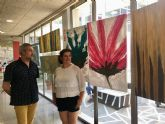 La Biblioteca de San Javier acoge la exposición 'Sensaciones' con once acrílicos de gran formato de Maryflower