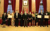 La Real Academia de Medicina premia a un estudiante y tres investigadoras de la UCAM