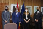 El alcalde se reúne con la secretaria de Estado de Energía para impulsar un nuevo plan de transporte centrado en pedanías