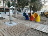 El ayuntamiemto instala nuevas papeleras de separación de residuos en las playas
