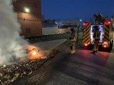 Apagan esta pasada madrugada el incendio de una moto en Águilas