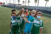 Los jóvenes protagonistas del fútbol base levantan sus trofeos en el cierre de la temporada 2020-2021