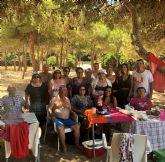 Los usuarios del centro social de personas mayores de Archena visitan la costa
