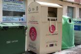 Continúa el servicio de recogida  en la vía pública de ropa usada, calzado y juguetes a beneficio de la Asociación Proyecto Abraham