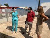La Escuela Infantil La Paz mejora sus accesos con la pavimentación de la entrada lateral del patio y la de la zona de servicios