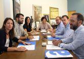 La alcaldesa se reúne con el nuevo presidente de la Confederación de Empresarios Aseplu