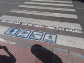 Cerca de un centenar de pasos de peatones de Los Alcázares contarán a partir de hoy con mensajes de concienciación frente a la COVID 19