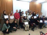 Entrega de diplomas a los alumnos del taller de costura y reparación de prendas organizado por el Ayuntamiento de Molina de Segura y la Asociación Proyecto Abraham