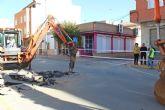 El Ayuntamiento ejecuta obras de mejora en la red de saneamiento que conecta la avenida Almería y calle Camino Real
