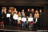 """Se entregan los diplomas acreditativos a los diez alumnos de la XII Promoción del Bachillerato Internacional del IES """"Juan de la Cierva"""""""