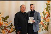 Pedro Fernández presenta su primer libro 'Pollos en el asfalto'