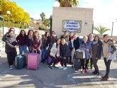 El alumnado de 2º de Grado Medio de Peluquería del IES Prado Mayor visitan la Residencia de «La Purísima»