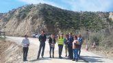 Visita a las obras en la carretera RM-B31, en Campos del Río