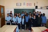 Alumnos de 4º de la ESO del Colegio La Milagrosa felicitan a su compañera Mª Carmen Tudela, que ha quedado 1ª en categoría Juvenil 0 en el Concurso Nacional de Doma en Equimur 2018