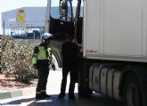 La Guardia Civil intercepta al conductor de un vehículo articulado de 40 toneladas conduciendo bajo los efectos de drogas