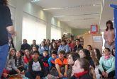 Más de 200 escolares de Puerto Lumbreras se convierten en 'Detectives de Biblioteca' con motivo del Día del Libro