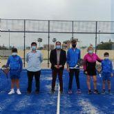 El Ayuntamiento de Los Alcázares inaugura una nueva pista de pádel
