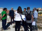 Jornada de trabajo con los técnicos en los terrenos del colegio para ultimar los detalles de acondicionamiento del solar