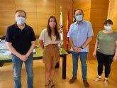 El alcalde recibe a la doctora totanera, Sandra González Montiel