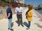 La concejalía de Parques y Jardines renueva el parque infantil de Roda y plantará nuevos ejemplares de pino mediterráneo en la pinada cercana